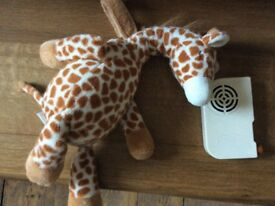 Cloud b Gentle Giraffe (baby soother)