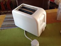 Asda white 2 slice toaster like new (can deliver) from VEGETARIAN household
