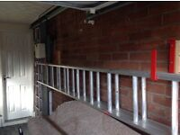 Double aluminium exstension ladder