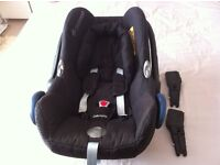 Baby seat plus adaptor and rain cover