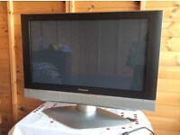 Large Panasonic flat screen TV 32 wide