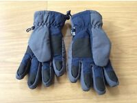 NEXT boys gloves age 11-13 years