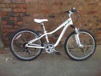 Specialized hotrock girls 24inch wheel mountain bike in good order suit 7-12yrs