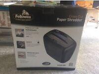 Cross cut paper shredder