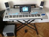 For sale yamaha tyros 4 with speakers