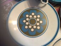 1970s Studio J&G Meakin ELITE SERVING PLATE CUPS SAUCERS SUPPER PLATES SIDE PLATES