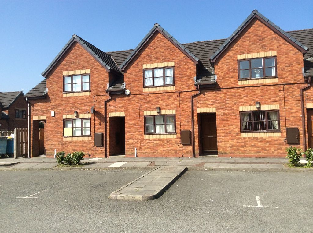 One bedroom flat on spinners mews bolton bl1 2lq for M s bedrooms bolton