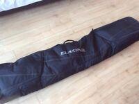 Snowboarding equipment / clothing