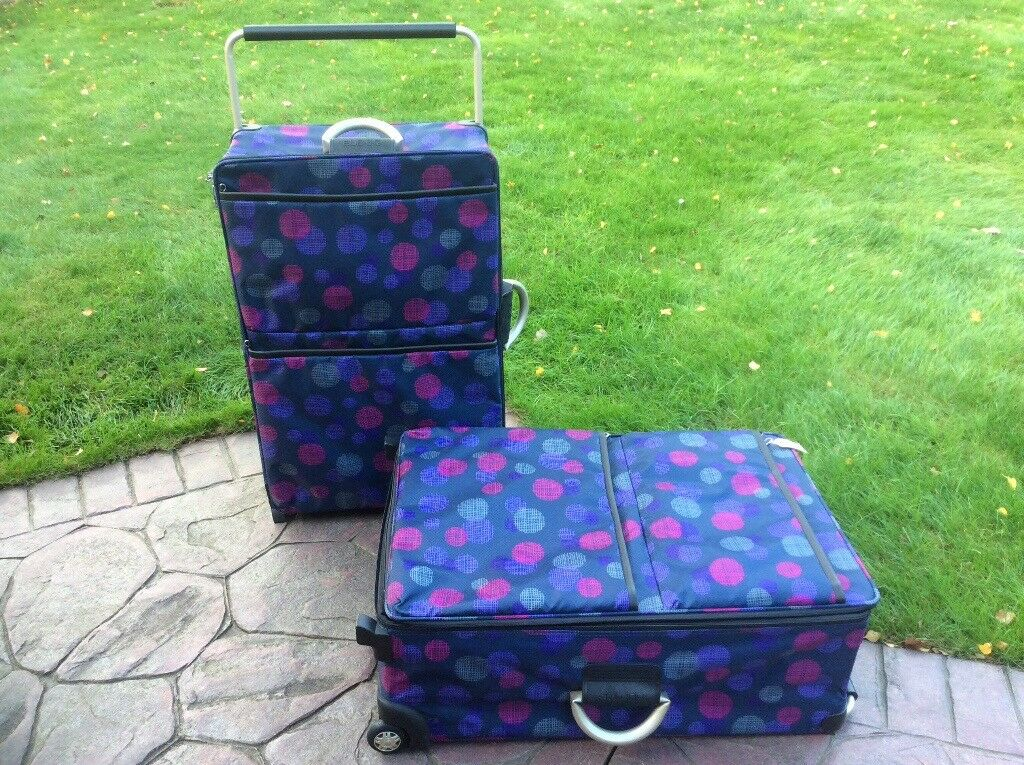 JOBLOT Pair Of Matching Suitcases