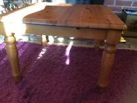 PINE COFFEE TABLE IN GREAT CONDITION REF 1