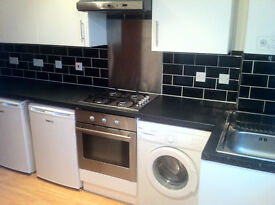 This amazing and very modern 2 bedroom first floor DSS WELCOME maisonette in Tooting Station