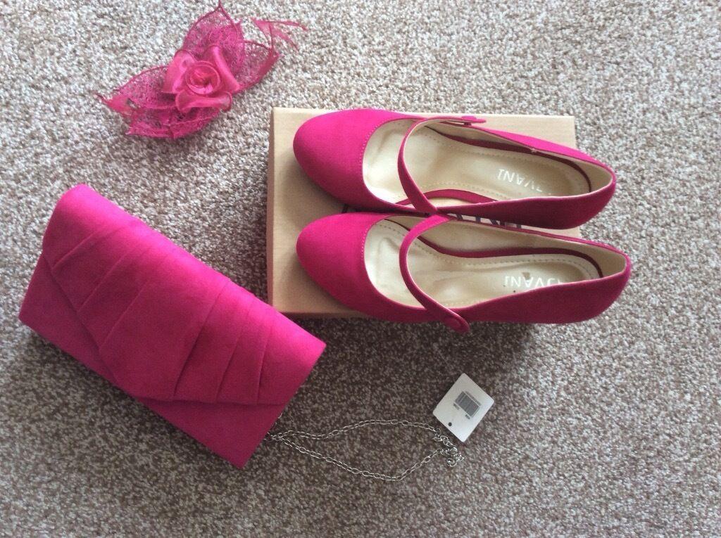 fushia pink clutch bag matching shoes fascinator in