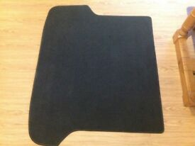 Boot mat for Volvo XC70 (OEM) - as new condition.