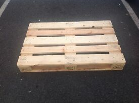 Clean Euro Pallets for sale, can deliver to your door