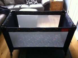 Travel cot, no damage, end pocket for storage. Good condition