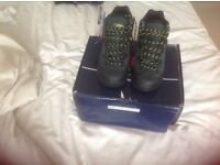 Cotton traders hiking boots size 7 brand new
