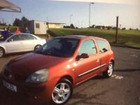 RENAULT Clio Dynamique 1.2 - sunroof and electric windows