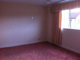 2 bedroom flat in Paisley