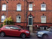 2 Large double rooms in Victorian semi, all bills included, young tidy professional wanted