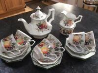 Tea Set Excellent Condition