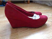 Brand new Tamaris size 6 heels