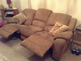 Gorgeous reclining 3 seater sofa and 2 X reclining armchairs