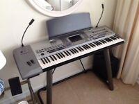 Yamaha PSR 9000 pro keyboard and speakers