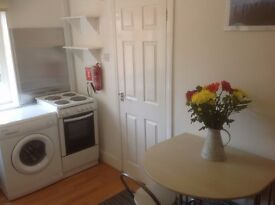£800pcm/£185pw one bed flat, RM6 6DT Romford. Inc power, council tax, wi fi. Suit couple.