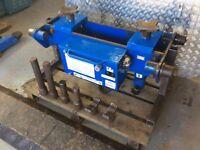 Abco 20 tonne air/ hydraulic pit jack