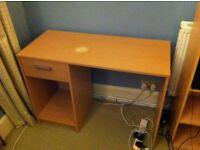 Fonctional wood desk