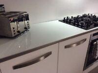 4 mtr Brand new sealed white mirror gloss worktop