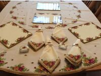Royal Albert old country roses dinner service and tea set, napkins, napkin rings, tablecover, etc.