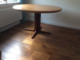 Dining Table (extends)