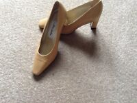 Lovely pair of Jane Shilton Shoes