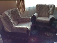 BEIGE SETTEE AND TWO CHAIRS