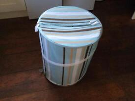 Collapsible fabric laundry basket