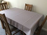 Pretty Gingham Checked Tablecloths x10