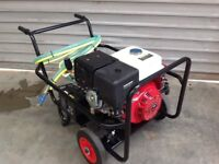 3650 P.s.i. Interpump 20lpm Pressure washer Free Whirlaway Cleaner Free Turbo Nozzle electric start