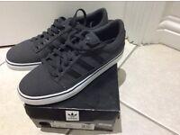 Brand new Adidas men's trainers size 7,