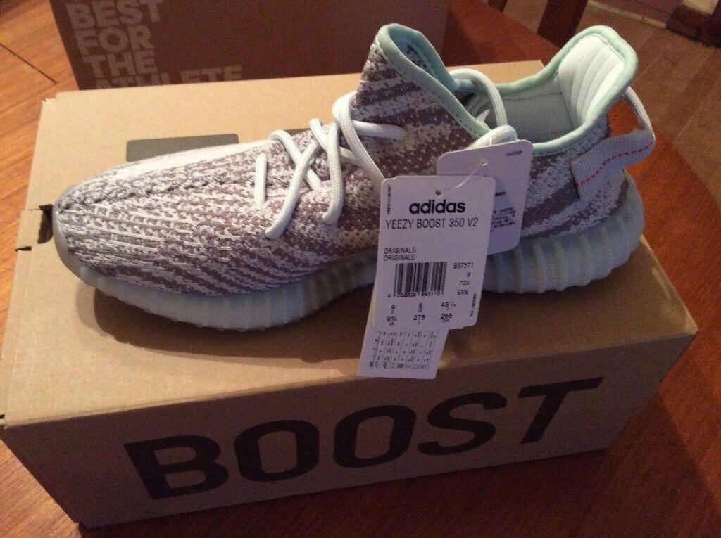b37ccbb3211 Adidas Yeezy Boost 350 V2 Blue Tint size 9