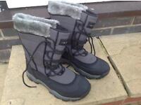Ladies Snowboots Size 6
