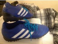 Mens size 9.5 Adidas turf trainers vgc