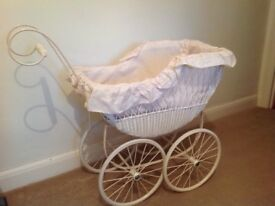 DECORATIVE ORNATE PRAM