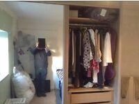Sliding mirror door wardrobe