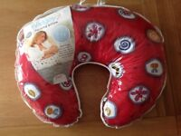 Widgey Nursing Pillow Excellent Condition