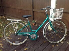 Ladies Raleigh Caprice 3 speed bike, metallic green