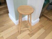 Solid wood kitchen stool in Beech.