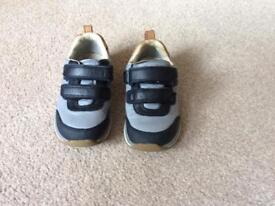 Clarks boys navy leather trainers size UK 6.5F
