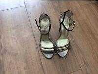 Ladies Guess shoes size 4 1/2