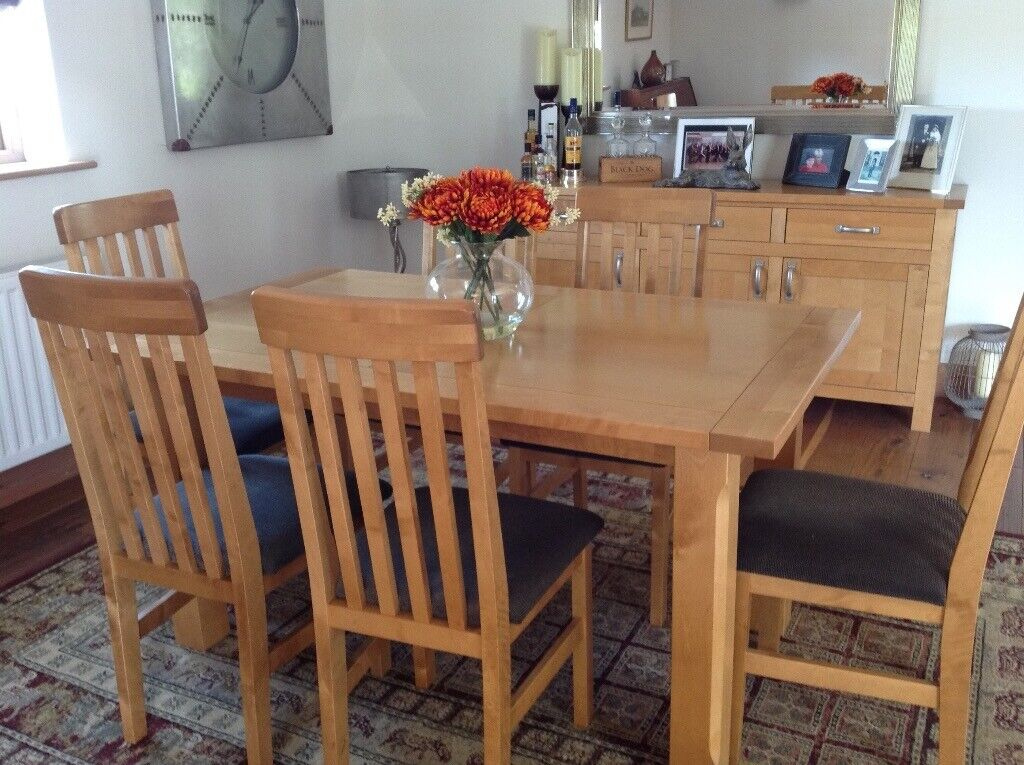 Light Oak Dining Table With 6 Chairs In Mattishall Norfolk Gumtree